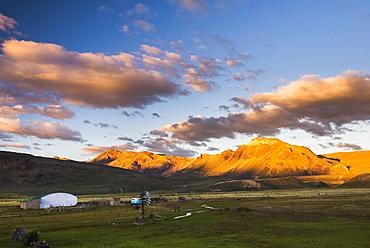 Farm buildings at sunset, Estancia La Oriental, Perito Moreno National Park, Santa Cruz Province, Patagonia, Argentina, South America