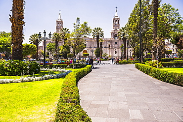 Basilica Cathedral of Arequipa (Basilica Catedral), Plaza de Armas, UNESCO World Heritage Site, Arequipa, Peru, South America