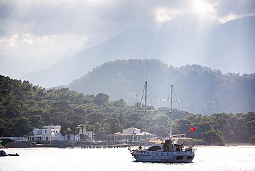 Gulet sailing boat with Taurus Mountains behind, Kemer, Antalya Province, Lycia, Anatolia, Mediterranean Sea, Turkey, Asia Minor, Eurasia