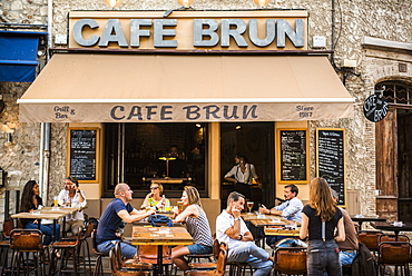 Cafe Brun, Antibes, Provence-Alpes-Cote d'Azur, French Riviera, France, Europe