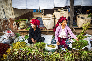 Market stall owned by Pa-O tribe, Ywama Market, Inle Lake, Shan State, Myanmar (Burma), Asia