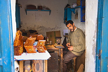 Portrait of a carpenter in the Old Medina, Essaouira, formerly Mogador, UNESCO World Heritage Site, Morocco, North Africa, Africa