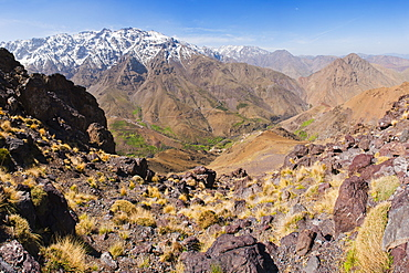 High Atlas mountain scenery on the walk between Oukaimeden ski resort and Tacheddirt, High Atlas Mountains, Morocco, North Africa, Africa