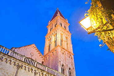 Cathedral of St. Lawrence (Katedrala Sv. Lovre) at night, Trogir, UNESCO World Heritage Site, Dalmatian Coast, Croatia, Europe