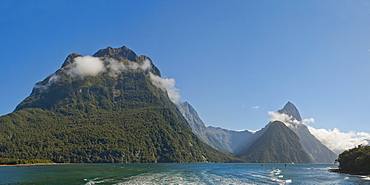 Mitre Peak panorama, Milford Sound, Fiordland National Park, UNESCO World Heritage Site, South Island, New Zealand, Pacific