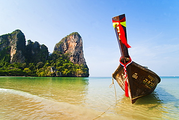 Long tail boat on Koh Phi Phi, South Thailand, Southeast Asia, Asia