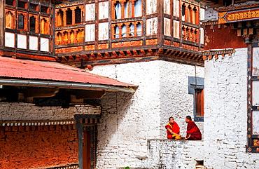 Buddhist monks, Trongsa Dzong, Trongsa, Bhutan, Asia