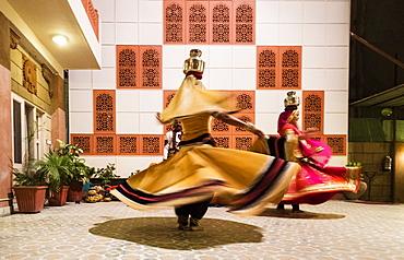 Gypsy dancers in Pushkar, Rajasthan, India, Asia