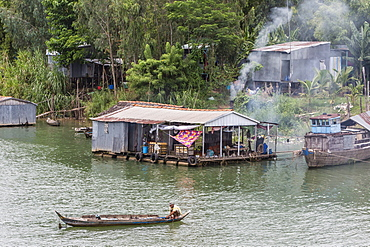 Daily Vietnamese river life on the Tan Chau Canal, Mekong River Delta, Vietnam, Indochina, Southeast Asia, Asia