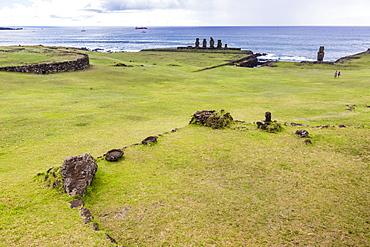 House foundation and six moai in the Tahai Archaeological Zone on Easter Island (Isla de Pascua) (Rapa Nui), UNESCO World Heritage Site, Chile, South America