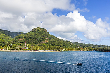 The town of Uturoa on the island of Raiatea, Society Islands, French Polynesia, South Pacific, Pacific