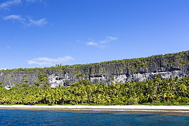 Rising to 260 feet above sea level, Makatea is a raised coral atoll with fresh water, Tuamotus, French Polynesia, South Pacific, Pacific