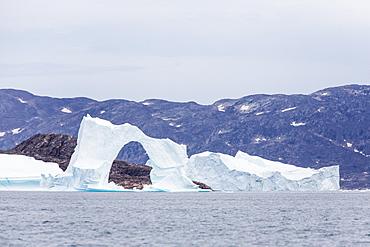 Grounded icebergs, Sydkap, Scoresbysund, Northeast Greenland, Polar Regions