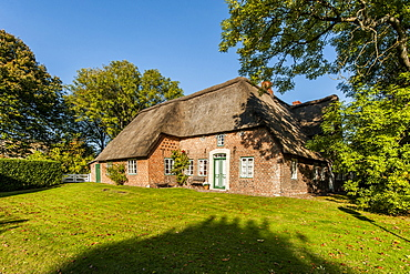 Frisian house with thatched roof, Keitum, Sylt, Schleswig-Holstein, Germany