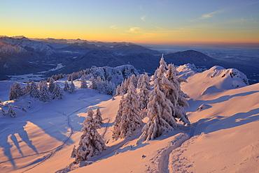 Winter mountain scenery at dusk, Breitenstein, Mangfall Mountains, Bavarian Prealps, Upper Bavaria, Bavaria, Germany