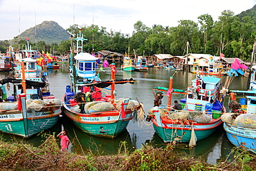 Fishermen in Ban Krut near Bang Saphan, Golf of Thailand, center-Thailand, Thailand