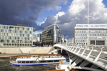 Tour Boat along the river Spres, Kronprinzen bridge and modern architecture, Santiago Calatrava, Berlin, Germany