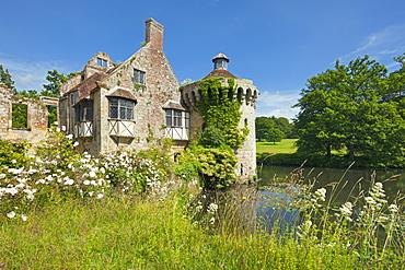 Moated castle, Scotney Castle, Kent, Great Britain