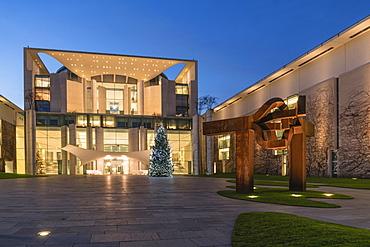 The Bundeskanzleramt, Federal Chancellery and Christmas tree, Tiergarten, Berlin, Germany