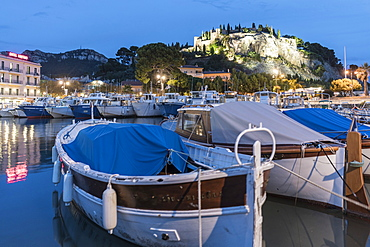 Cassis harbour with boats, fortress in the background, Cassis, Cote d Azur, France
