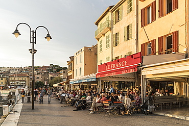 Restaurants in Cassis harbour Cassis, Cote d Azur, France