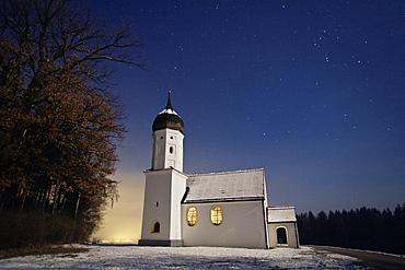 Hub chapel against starry sky in winter, Penzberg, Bavaria, Germany