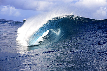 View into a wave tube, Teahupoo, Tahiti, French Polynesien, South Pacific