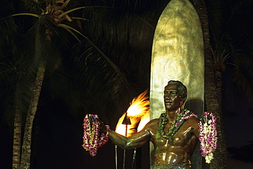 Surfer Statue at Waikiki, Duke Kahanamoku Statue, Honolulu, Oahu, Hawaii, USA