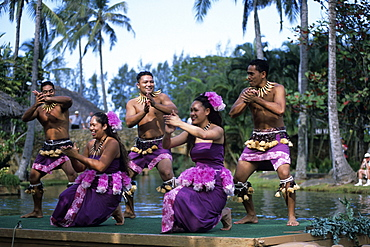 Polynesian Dance Performance, Polynesian Cultural Center, Laie, Oahu, Hawaii, USA