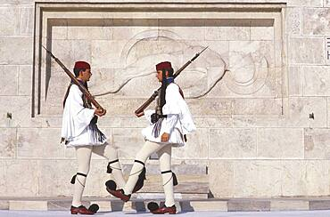 Evzonen guards in front of the tomb of the unknown soldier, Athens, Greece, Europe