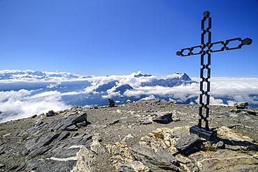 Summit plateau of Grande Dent de Morcles with summit cross, Dent de Morcles, Bernese Alps, Vaud, Vaud, Switzerland