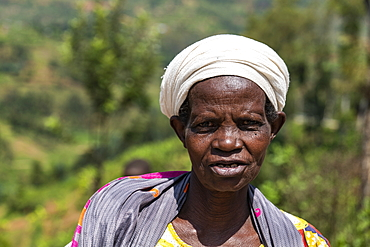 Portrait of an elderly Rwandan woman, near Mudasomwa, Southern Province, Rwanda, Africa