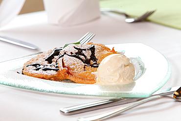 It is served, Bavarian delicacies, apple rings with vanilla ice cream, Reit im Winkl, Chiemgau, Bavaria, Germany
