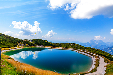 Mountain lake on the Steinplatte in summer with a view of the Kaiser Mountains, Pillerseetal, Triol, Austria, Kitzbühel Alps