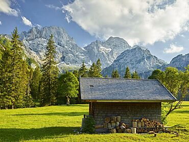 Hut on the Rontalalm, northern Karwendel range, Tyrol, Austria
