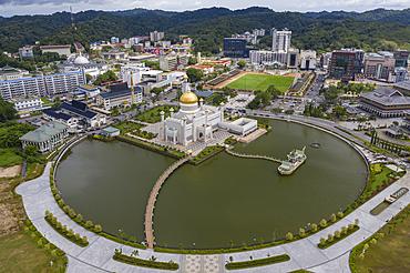 Aerial of parkland, Royal Barge, Omar Ali Saifuddien Mosque and downtown, Sungai Kedayan, Bandar Seri Begawan, Brunei-Muara District, Brunei, Asia