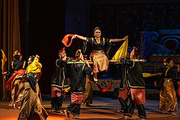 Traditional dance performance in the Sarawak Cultural Village, Kampung Budaya Sarawak, near Kuching, Sarawak, Borneo, Malaysia, Asia