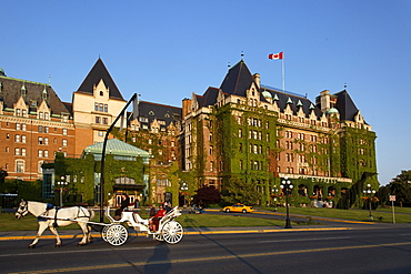 Hotel Empress, carriage, Victoria, Vancouver Island, Canada, North America