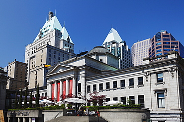 Cafe in front of Vancouver Art Gallery, Vancouver City Center, Faimont Hotel, Skyscaper, Canada, North America