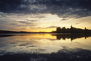 Linlithgow Palace at sunset, Linlithgow, West Lothian, Scotland, Great Britain, Europe