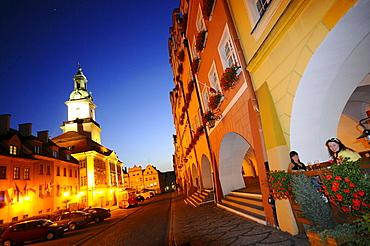 Market square with illuminated town hall in the evening, Jelenia Gora, Bohemian mountains, Lower Silesia, Poland, Europe