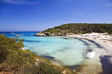 People on the beach in the bay of s'Amarador, Cala MondragÛ, Natural park of MondragÛ, Mallorca, Balearic Islands, Mediterranean Sea, Spain, Europe