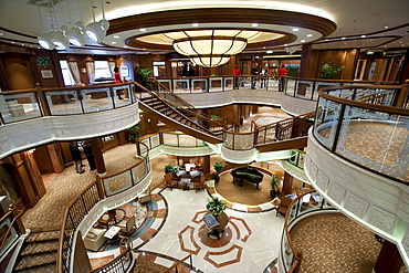 Grand Lobby, cruise liner Queen Victoria