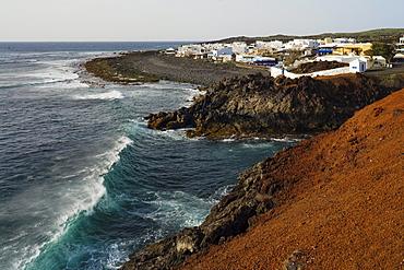 El Golfo, village on the coast with waves, Atlantic ocean, UNESCO Biosphere Reserve, Lanzarote, Canary Islands, Spain, Europe