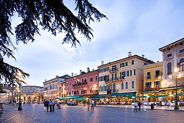 Restaurants, Piazza Bra, Verona, Veneto, Italy