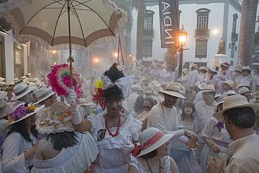Talcum powder battle, local festival, revival of the homecoming for emigrants, Fiesta de los Indianos, Santa Cruz de La Palma, La Palma, Canary Islands, Spain, Europe