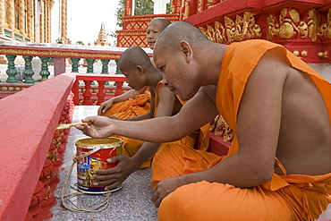 Buddhistic monks painting a detail at a temple, Udong, Phnom Penh Province, Cambodia, Asia