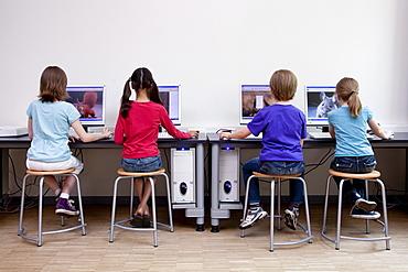 Pupils using computers, Hamburg, Germany