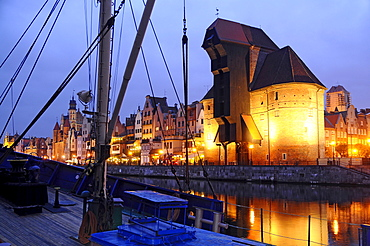 View from the Bleihof island to the Krangate in the evening, Rechtstadt, Gdansk, Poland, Europe
