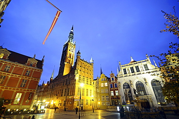 Buildings at long market with cityhall and Artushof in the evening, Rechtstadt, Gdansk, Poland, Europe
